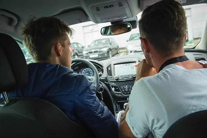 Opel_OnStar_Connected_Car_013