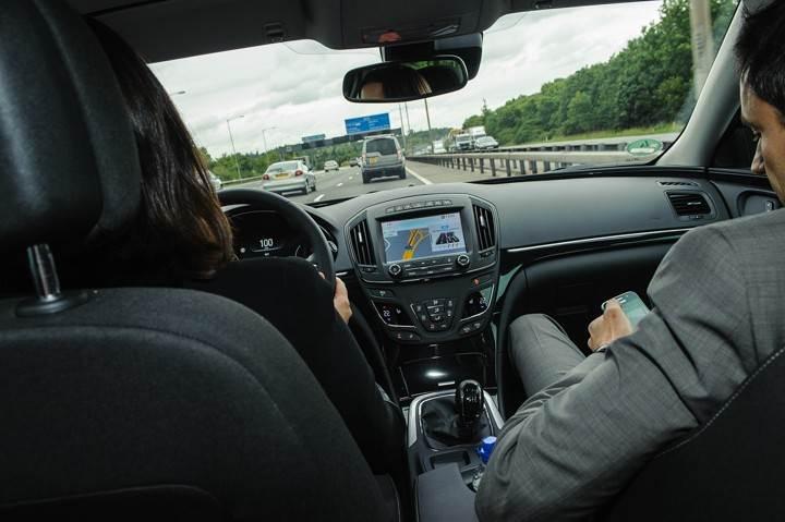 Opel_OnStar_Connected_Car_019