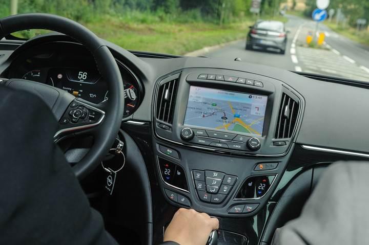 Opel_OnStar_Connected_Car_022