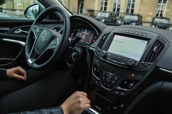 Opel_OnStar_Connected_Car_043