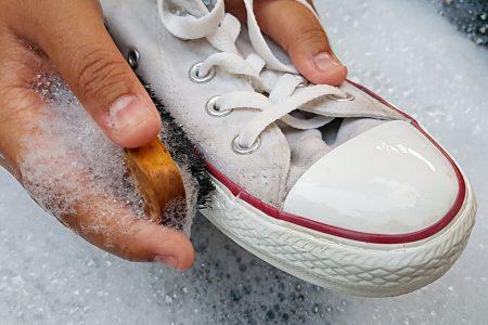 Sneakers richtig reinigen